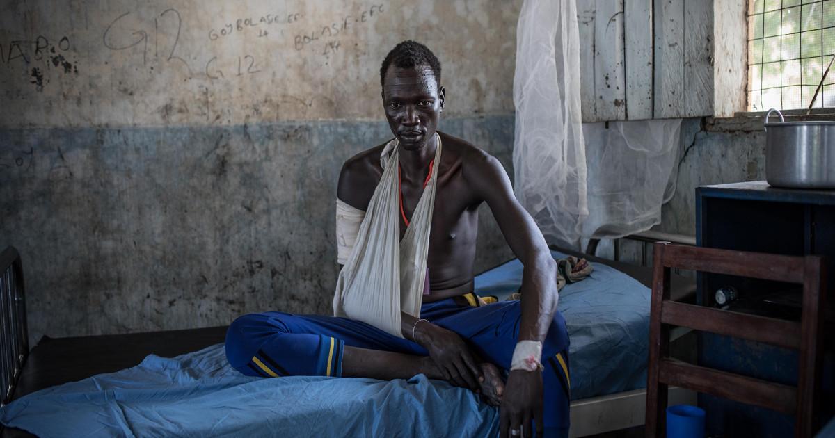 負傷した南スーダン人の男性